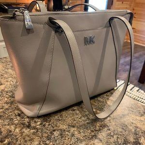 Michael kors purse. Authentic